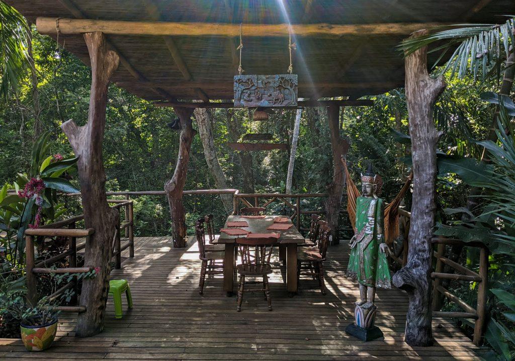 Casa Kupu-kupu kitchen