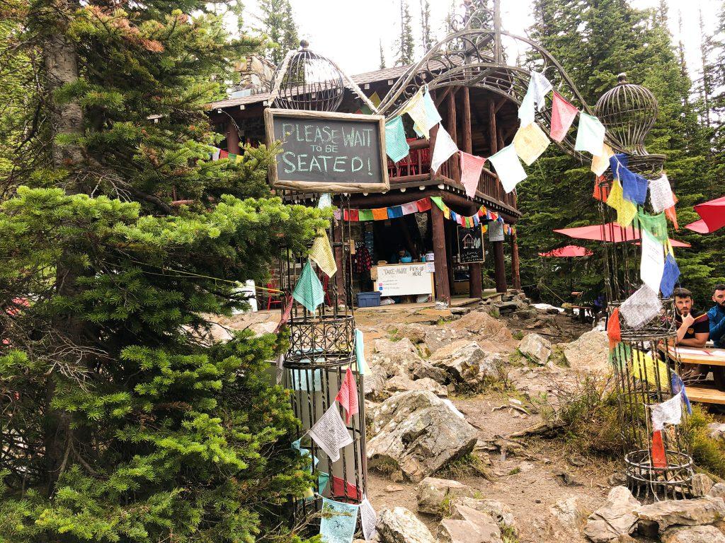 Plain of Six Glaciers tea house